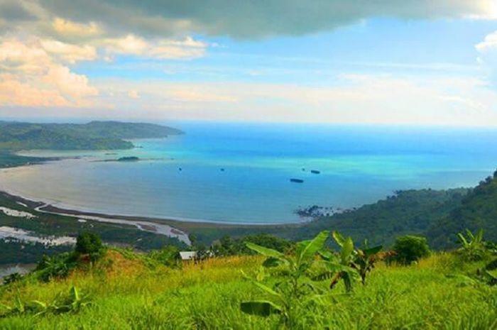 Taman bumi atau Geopark Ciletuh Sukabumi yang telah diakui dunia