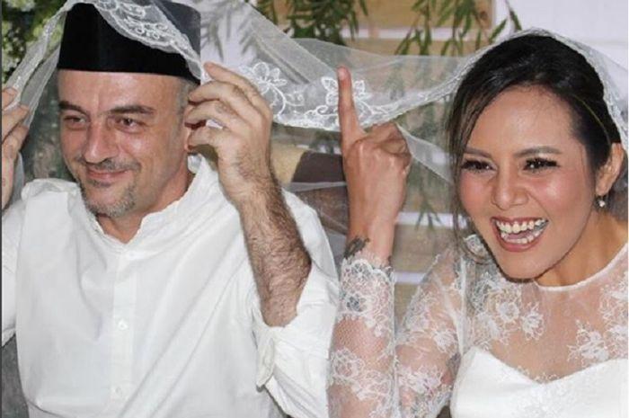 Cinta Ramlan resmi menikah, menu hidangannya sederhana banget