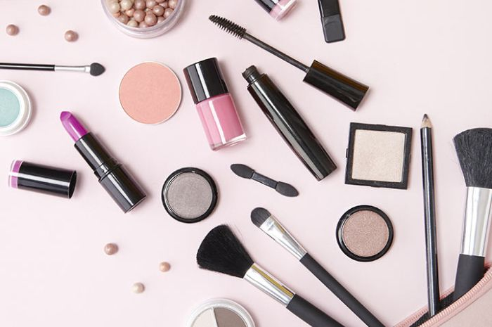 Murah Meriah, yukIntip Deretan Produk Makeup di Bawah Rp 50 Ribu yang Nggak Bikin Kantong Jebol!