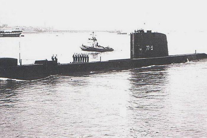 kapal selam AL Israel, Dakar