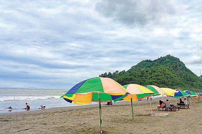 Pemandangan indah dari Pantai Suwuk, Kebumen, Jawa Tengah