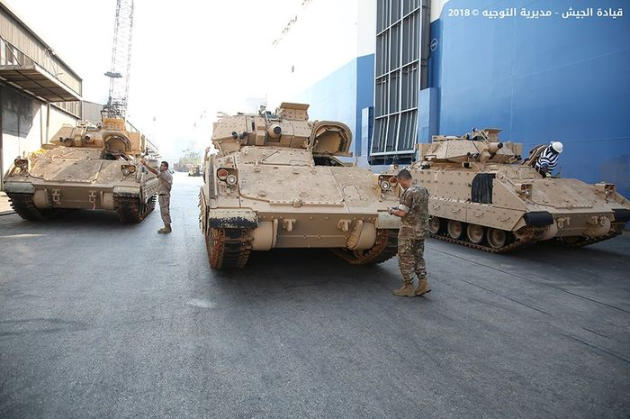 Tank Bradley AS yang diberikan kepada militer Lebanon