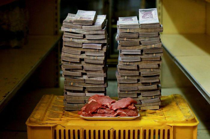 Ilustrasi kelompk masyarakat di Venezuela membuat mata uang sendiri