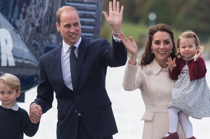 Kate Middleton dan Pangeran William, serta anak-anak mereka.
