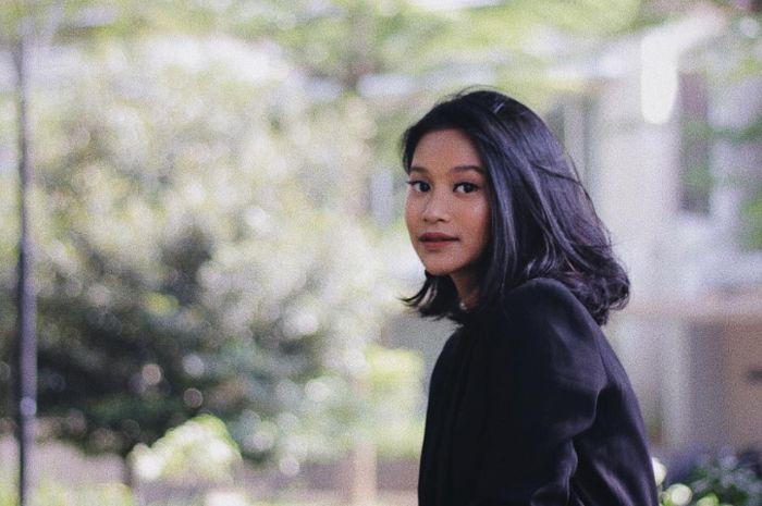 Inspirasi fashion ala Siti Adira Kania