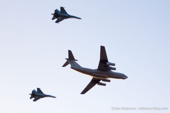Pesawat tempur Ukraina saat latihan terbang