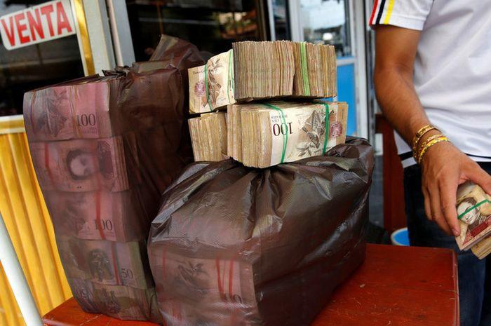 Mata uang Bolivar, Venezuela