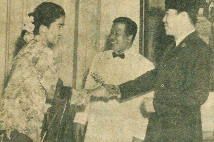 Titin Sumarni beremu presiden Soekarno