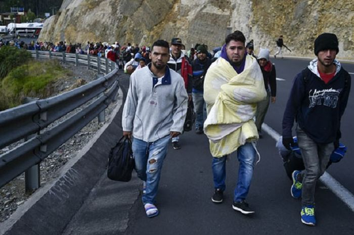 Masyarakat Venezuela kabur ke Ekuador
