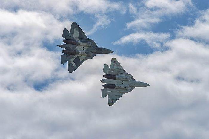 Su-57 Rusia di atas Suriah