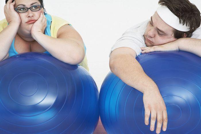 Ini posisi berhubungan intim terbaik untuk pasangan berbadan XL.