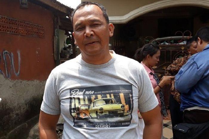 Teguh Sriono (50), ayah Bripda Puput, saat ditemui di kediamannya, Cimanggis, Depok, Sabtu (8/9/2018).