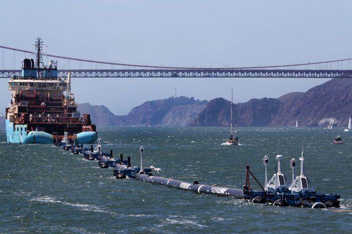 System 001 dari Ocean Cleanup diluncurkan pada Sabtu lalu.