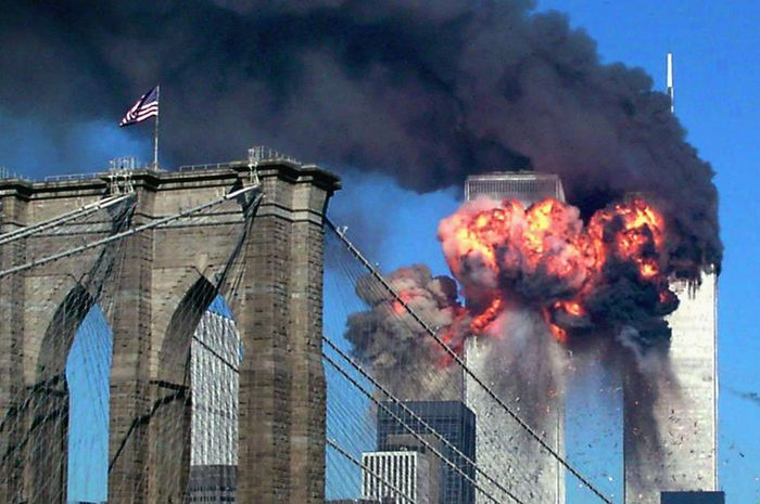 Menara kembar WTC yang menjadi target serangan 9/11.