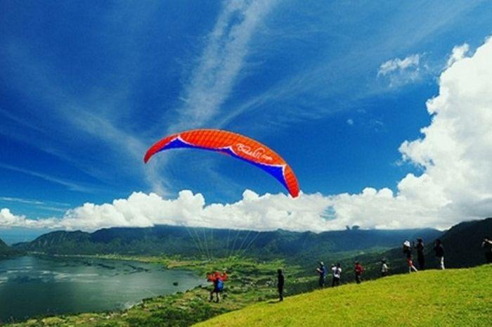 Paralayang di Matimali, Sigi, Sulawesi Tengah