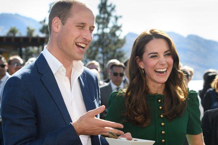 Kirimkan Kartu Ucapan, Ini Isi Pesan Manis Pangeran William dan Kate Middleton Pada Penggemar