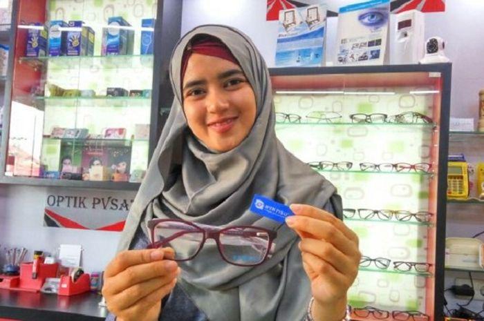 Para peserta bisa beli kacamata ditanggung BPJS Kesehatan.