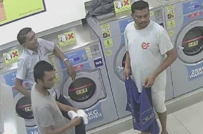 Tiga pria di Malaysia terekam memasukkan kucing ke dalam mesin pengering dan menyalakannya. (Channel News Asia)