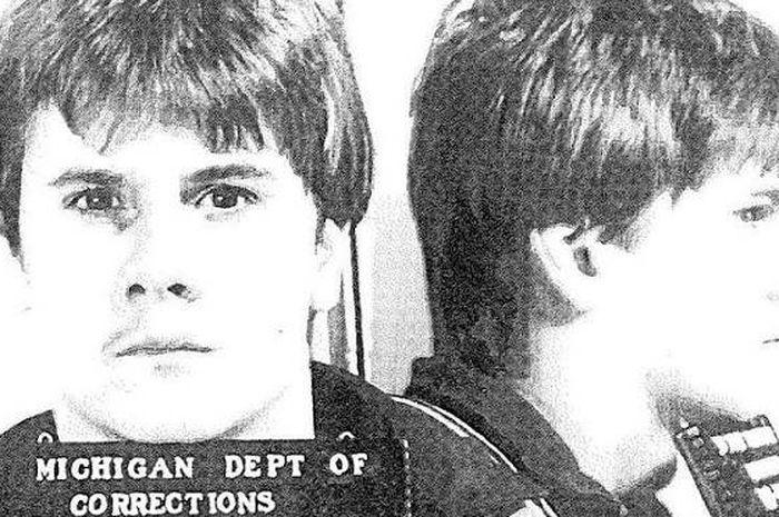 Richard Weshe Jr seorang pria yang mengungkap skandal korupsi di Detroit.