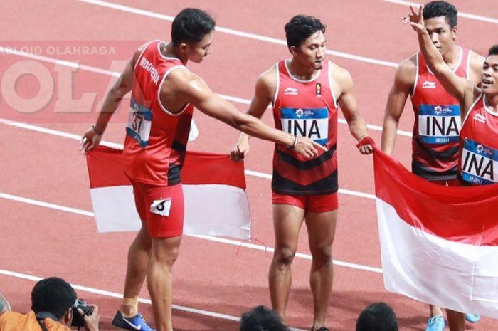Tim Pelari Indonesia yang terdiri dari Fadlin, Lalu Muhammad Zohri, Eko Rimbawan dan Bayu Kertanegar