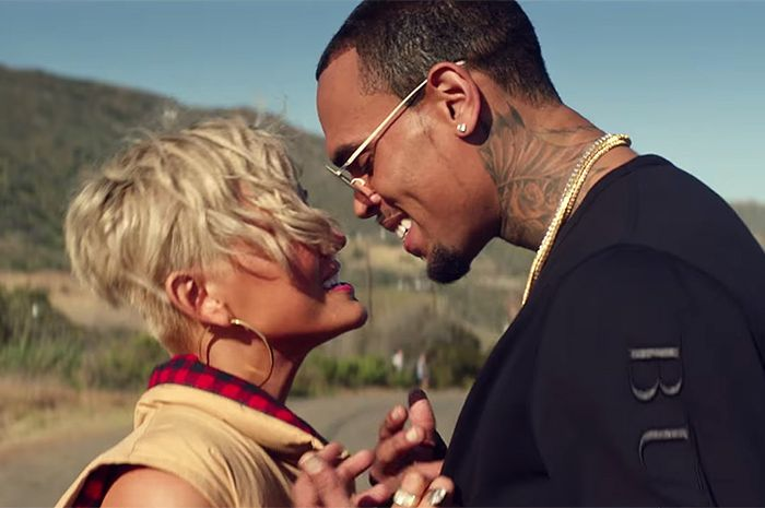 Agnez Mo dan Chris Brown