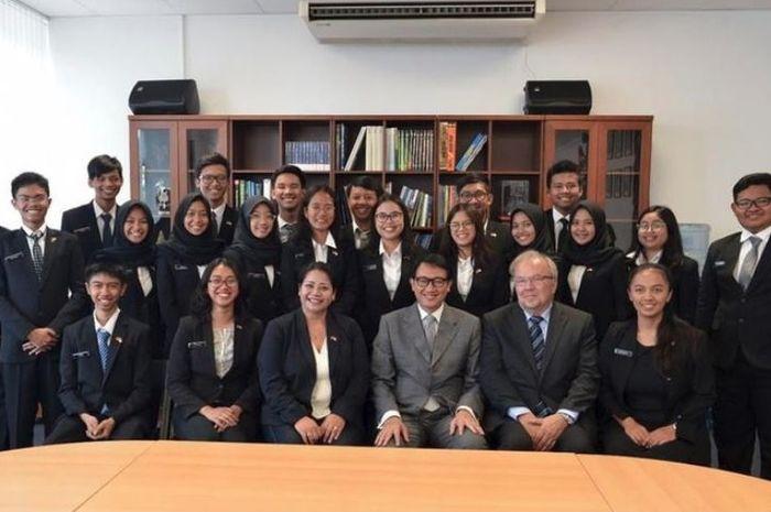Sampai Jerman, Puluhan Siswa Semarang Promosikan Indonesia dan Keramahannya, Salut!