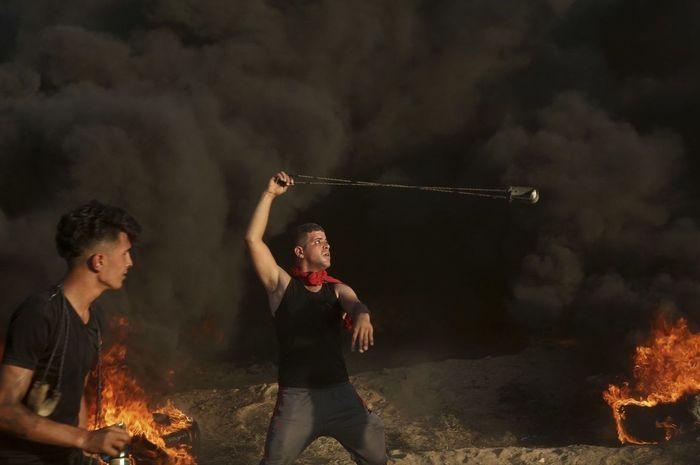 Warga Gaza berunjuk rasa di perbatasan Jalur Gaza-Israel