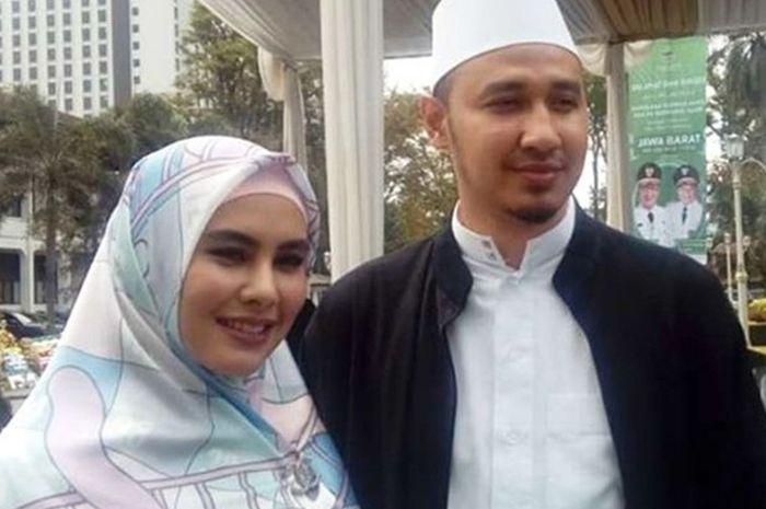 Kartika Putri dan Habib Usman Bin Yahya