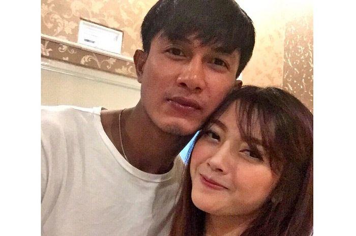 Pernah Disindir Gemuk, Jelek dan Tua, Istri Cantik Ahmad Alfarizi Arema FC Jawab Tak Terduga!