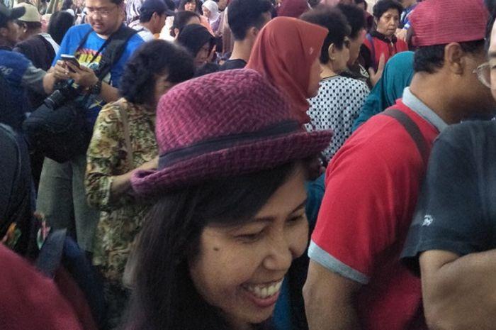 Para pengunjung Pasar Papringan di Dusun Ngadiprono.