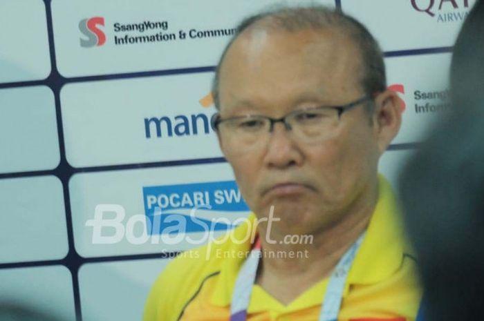 Pelatih timnas U-23 Vietnam, Park Hang-seo dalam jumpa pers pasca laga kontra UEA untuk perebutan po