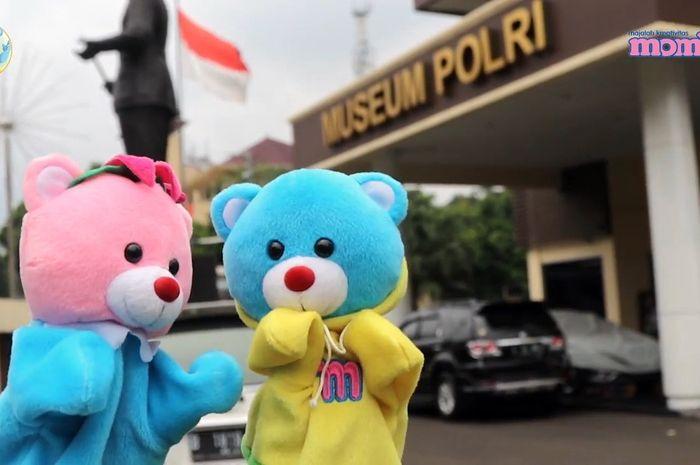 Mombi dan Loli berkunjung ke Museum Polri.