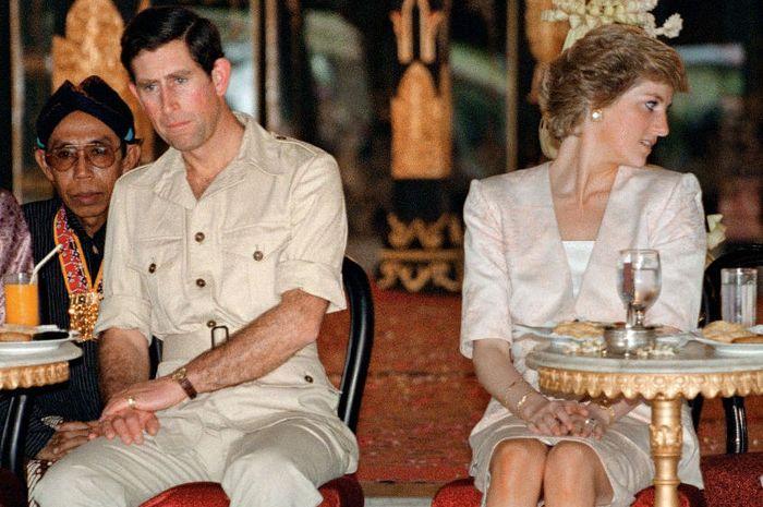 Pangeran Charles dan Putri Diana.