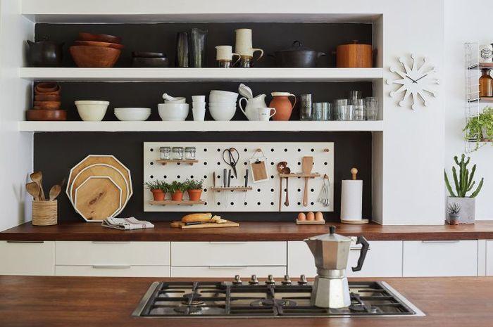 Penataan peralatan di dapur bisa diseuaikan dengan frekuensi pemakaian.