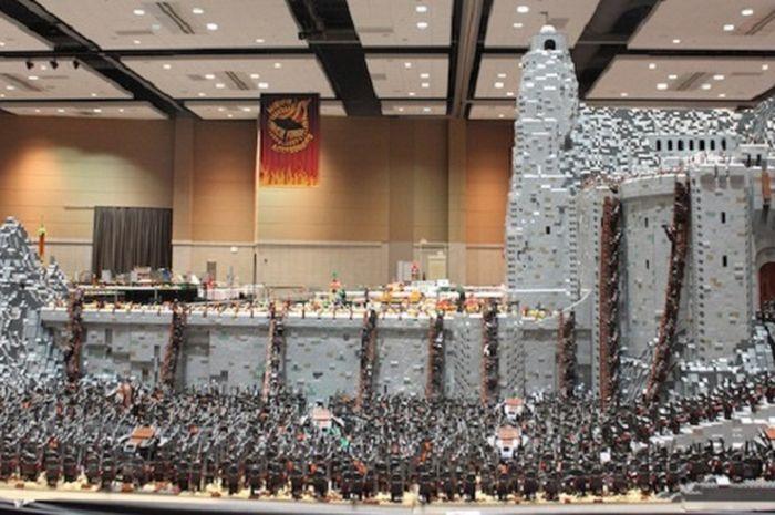 Perang Helm's Deep di Lord of the Rings yang Disusun dari LEGO