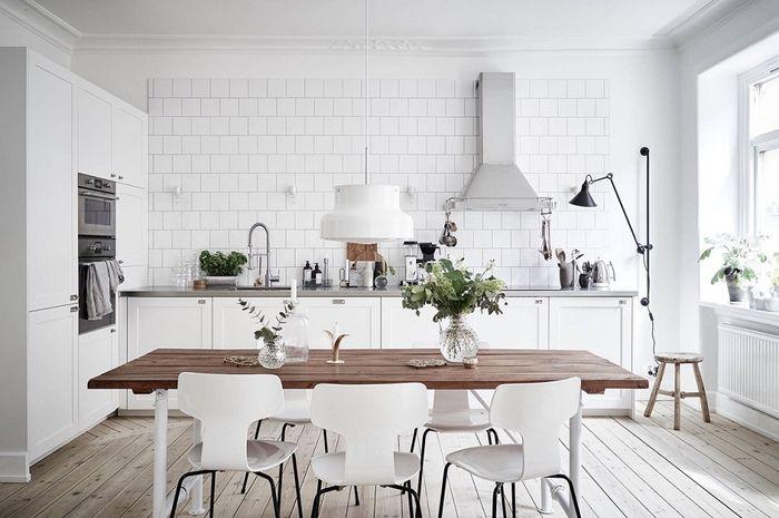 Dengan desain dapur yang ergonomis, memasak jadi dinamis.