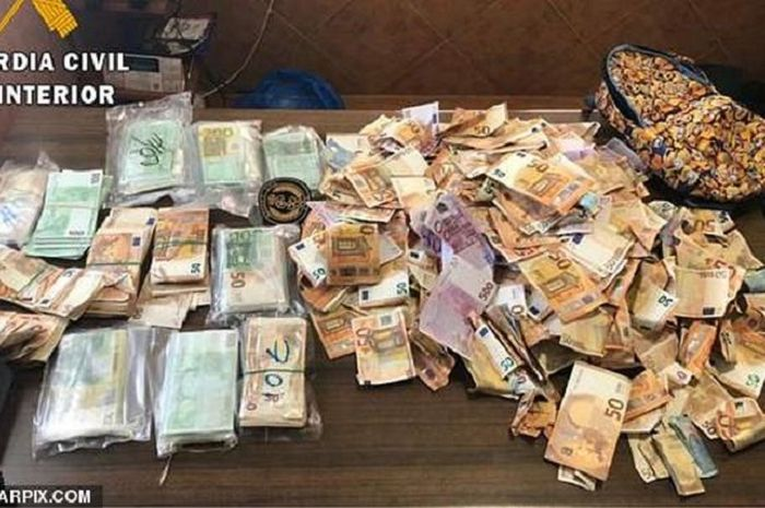 Sejumlah uang yang ditemukan