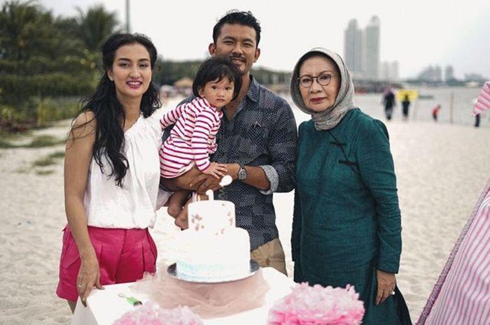 Potret kebersamaan Ratna Sarumpaet dengan keluarga