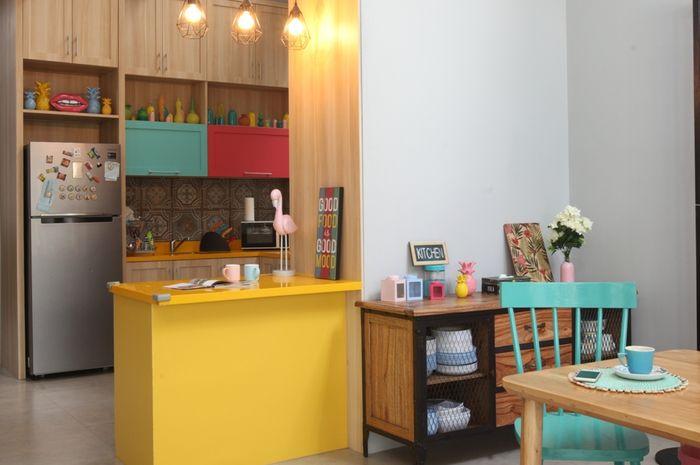 Cerianya Dapur Warna Warni Ini Mencerminkan Pribadi Sang Pemilik Rumah Lokasi Kediaman Syanindita