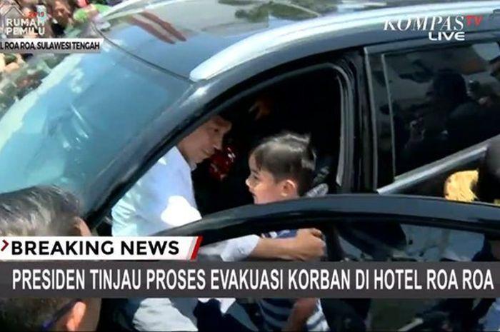 Ini momen bocah yang pengen ikut naik mobil bareng Jokowi