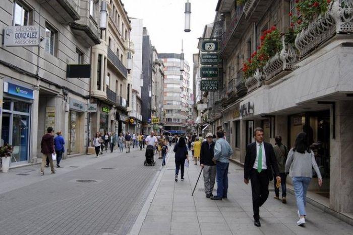 Kota Pontevedra melaranga adanya mobil di daerah tertentu di Kotanya.