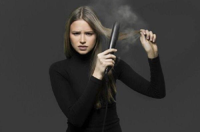 Tips meluruskan rambut tanpa alat catok sepertinya patut dicoba