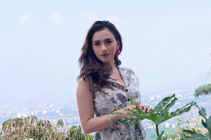 Sempat tersandung kasus prostitusi online, Amel Alvi kini jadi doyan jajan