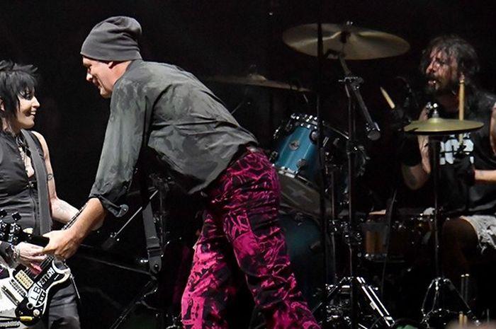 Joan Jett, Krist Novoselic, dan Dave Grohl di Cal Jam 2018