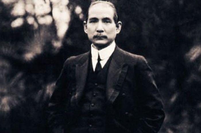 Sun Yat-Sen, presiden pertama Republik Tiongkok.
