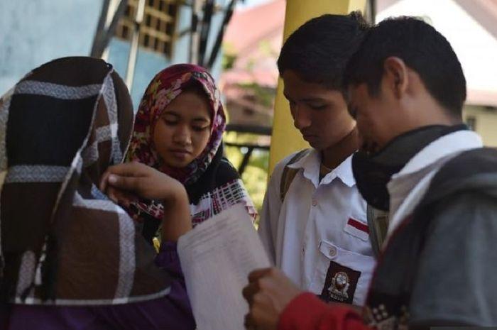 Pelajar di Palu-Donggala Mulai Sekolah, Hari Pertama Nggak Belajar Tetapi Melakukan Kegiatan Ini!