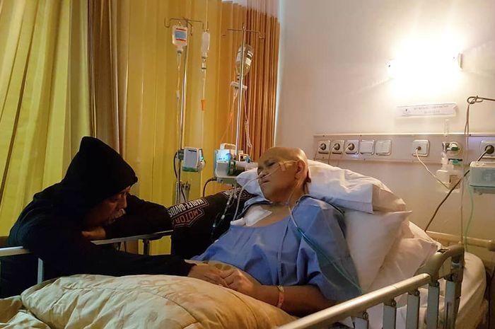 Istri Indro Warkop, Nita Octobijanthy meninggal dunia karena kanker paru-paru
