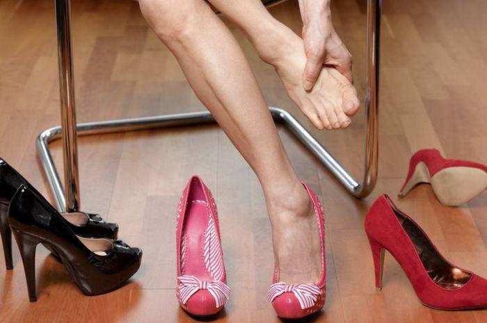 Tips Mengatasi Kaki Lecet Akibat High Heels dengan Bahan Alami