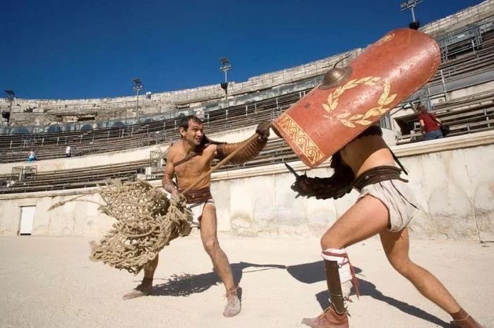 Arti jempol ke atas dan jempol ke bawah bagi Roma Kuno