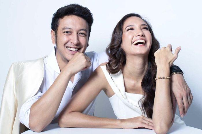 Nadine Chandrawinata blak-blakan kepada Sarah Sechan soal perasaannya setelah 5 bulan menikah dengan Dimas Anggara.